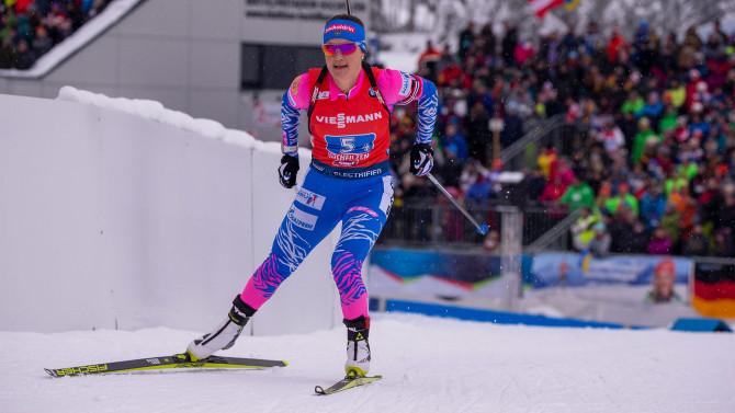 Norwegian biathletes win women's relay ahead of Russia