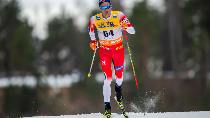 Therese Johaug wins hard 10 kilometer race